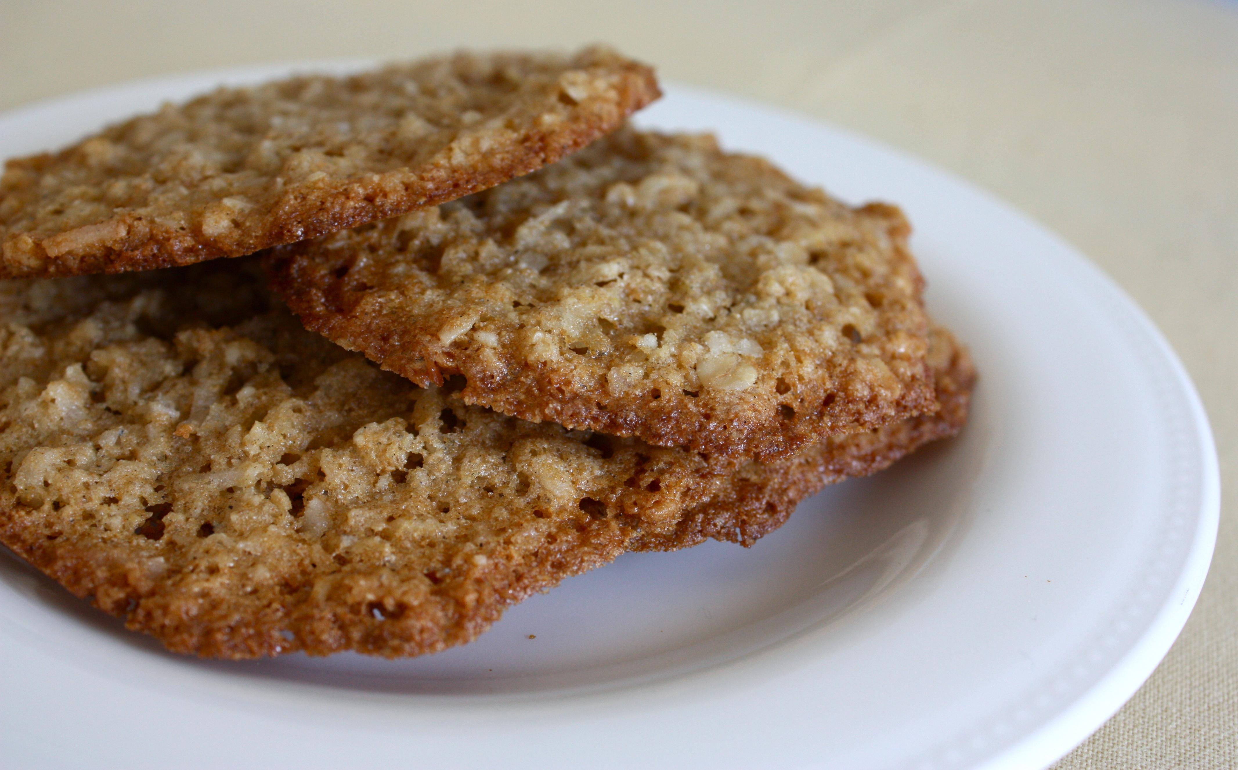 Vegan Coconut Cardamom Oatmeal Cookies | Foodologie