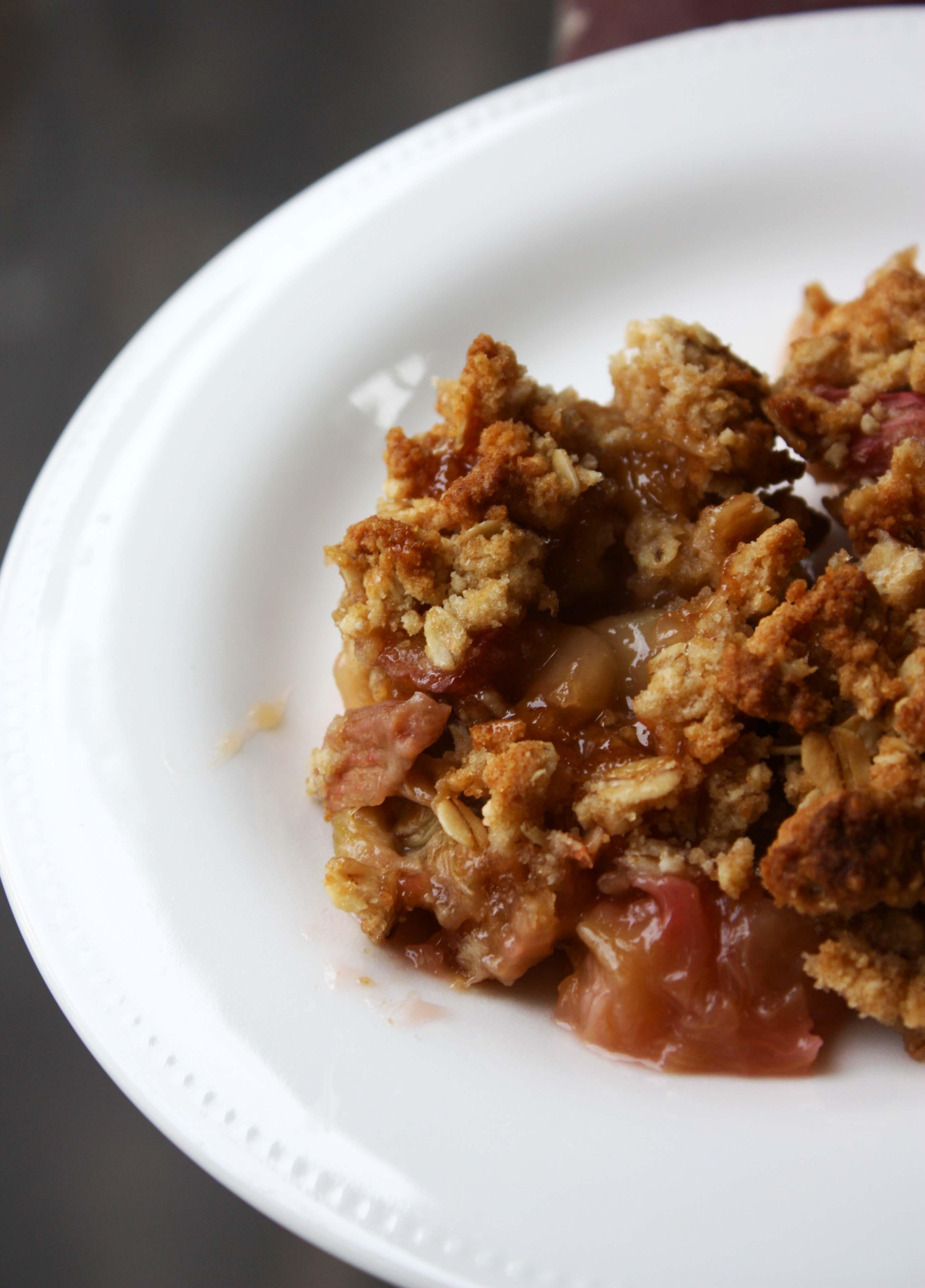 Apple-Rhubarb Crisp | Foodologie