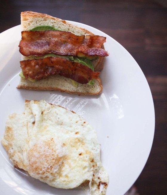 eggbaconavocadosandwich1