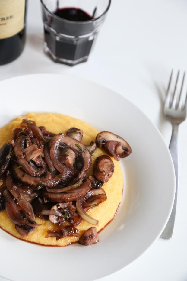 mushroomsoverpolenta1