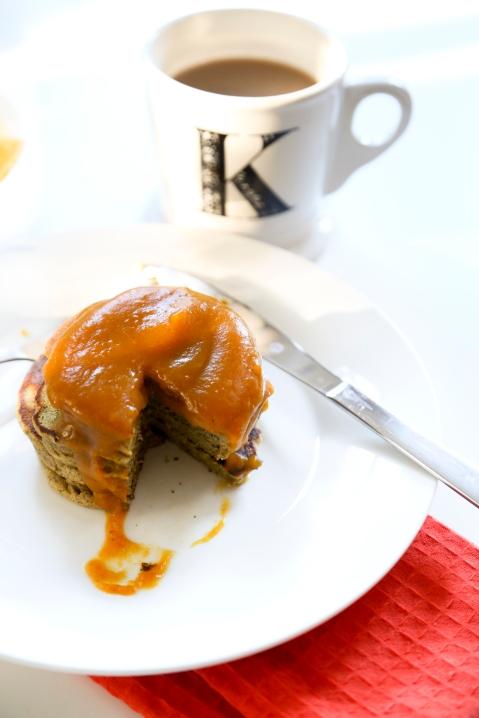 pumpkinproteinpancakes2